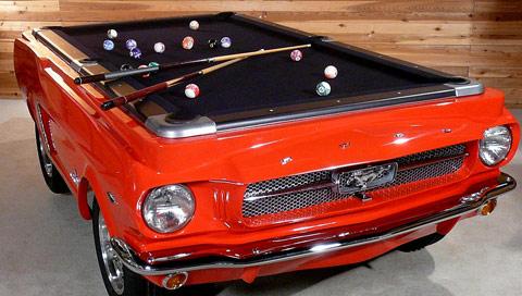 Un billard original en forme de Ford Mustang 1965