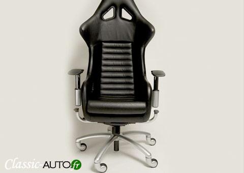 Un siège Ferrari de 360 Challenge, transformé en siège de bureau