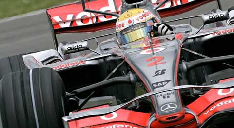Lewis Hamilton en retard dans la course au titre en F1
