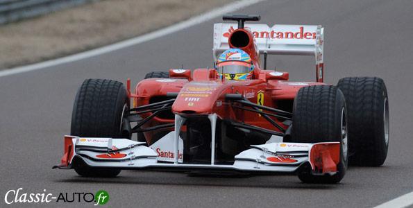 Ferrari F150 th Italia en piste