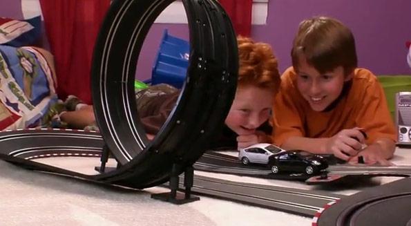 Humour : un circuit pour enfants avec la Toyota Prius