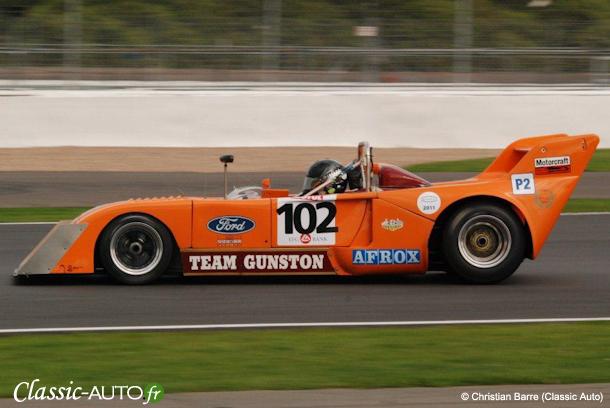 Chevron B26 1973 n°102 - Roger Wills / Joe Twyman (CER Silverstone 2011)