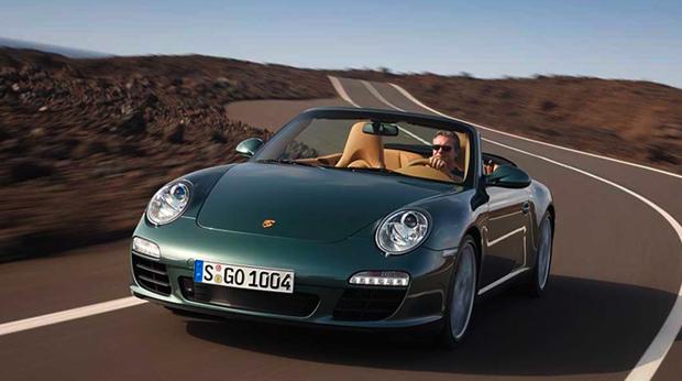 Utiliser les services d'un courtier pour assurer sa voiture de luxe