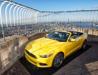 VIDEO. La Ford Mustang en haut de l'Empire State Building